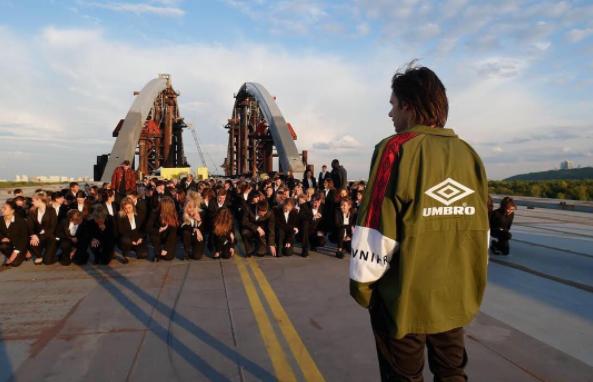 Avnier x Umbro, la collab qui rend hommage aux grandes heures du mouvement ultra